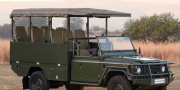 Фото Land Rover Defender 130 Safari Vehicles