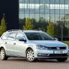 Фото Volkswagen Passat BlueMotion Variant UK 2010