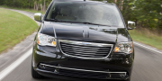Фото Chrysler Town & Country 2010