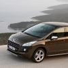 Французская дуэль. Peugeot 3008: дизель против гибрида