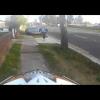 Австралийского мотоциклиста преследует полиция