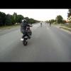 Байкер не смог удержать свой мощный мотоцикл
