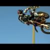 Джеймс Стюарт и Red Bull записали в видео-трек для мотокросса