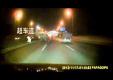 Porsche Cayman купе врезался в заднюю часть грузовика без света на шоссе