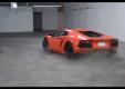 Две Lamborghini Aventadors дрифтуют в гараже