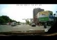 BМВ M5 и скутер не поделили дорогу в Тайване