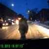 На авто обрушилась ярость только что задетого пешехода