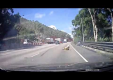 Водитель автомобиля сбивает скутер