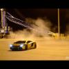 Золотая Lamborghini Aventador дрифтует в пустом порту