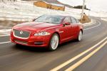 Проверяем на цепкость полноприводные Jaguar XJ и XF