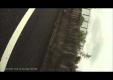 Водитель теряет управление и переворачивается на своем автомобиле