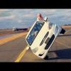 Арабы едут на двух колесах Hyundai, одновремено меняя колеса