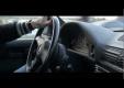 Бестрашный водитель на BMW M5 устраивает гонки на дорогах в Грузии