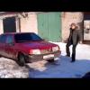 Один удар ногой по бамперу и машина разлетелась на куски