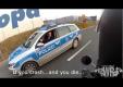 Правильно ли поступил немецкий полицейский?