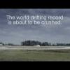 Инструктора по вождению BMW Smashes поставили мировой рекорд за самый длинный дрейф