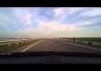 Мотоциклист подрезает авто несколько раз