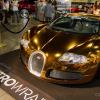 Рэппер Flo Rida приобрел золотой, хромированный Bugatti Veyron в своей форменной «Floss and Stunt».