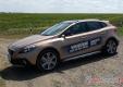 Volvo V40 Cross Country: Интеллектуал из будущего
