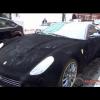 Бархатная Ferrari 599 GTB ещё хуже, когда идет дождь