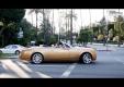 Водитель Subaru отвлекся на Rolls Royce Phantom и врезался в Mercedes