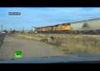 Грузовик заглох на железнодорожном переезде