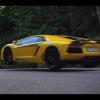 Как далеко может купе Lamborghini Aventador Roadster и прыгать?