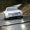 Стоимость самой экономичной машины в мире Volkswagen XL1 равна 110 000 евро
