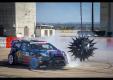Преодолении сложных препятствий на 2013 Ford Fiesta