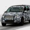Land Rover «Baby» Discovery позирует для камеры