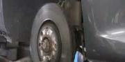 Руководство по замене тормозных дисков и колодок на Peugeot 307