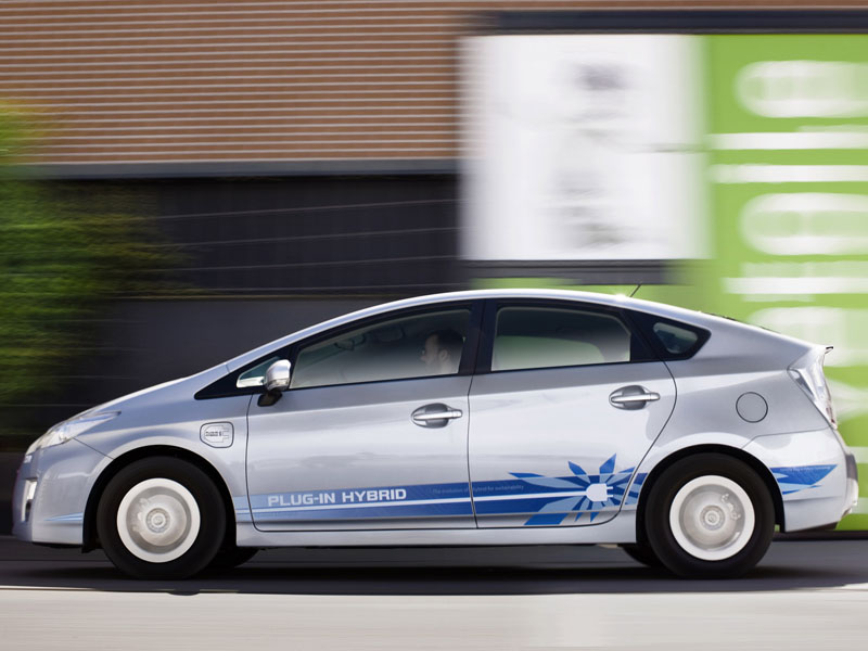 toyota prius hybrid marketing strategy Toyota prius marketing strategies take a look at all the hybrid cars on the road and you will notice a disproportionate number of them are toyota prius.