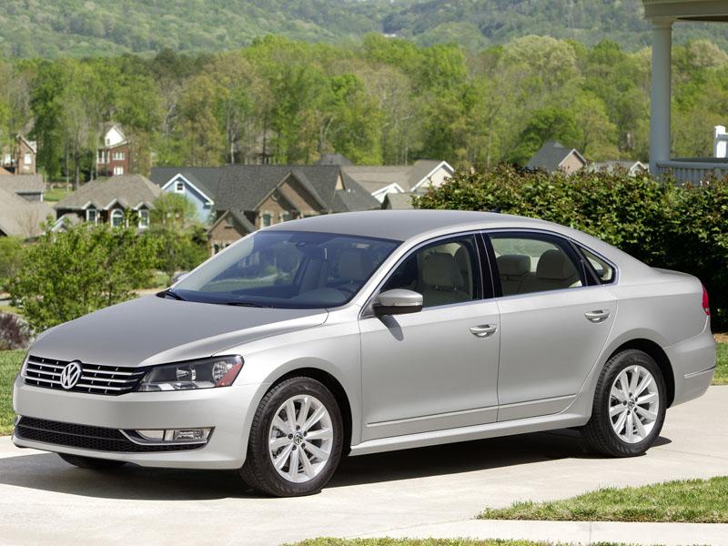 2013 Volkswagen Passat.  Specifi…