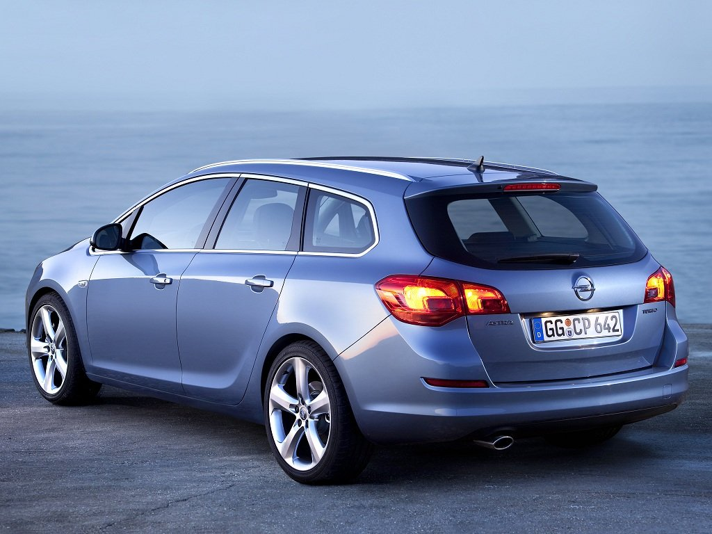 Фото Opel Astra Sports Tourer 20…