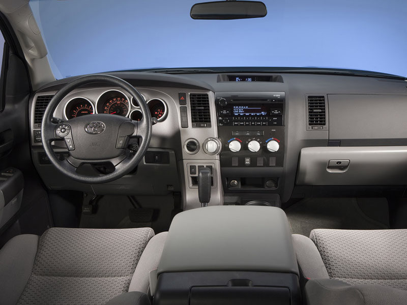 Фото салона Toyota Tundra.