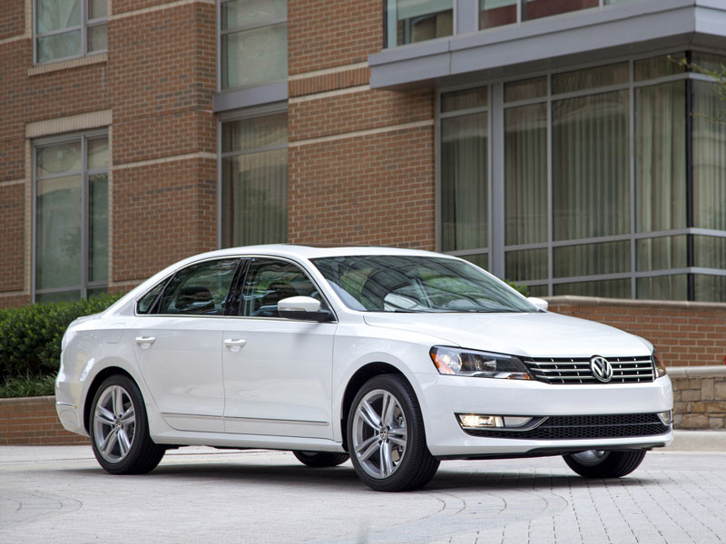 Volkswagen Passat 2013 model yea…