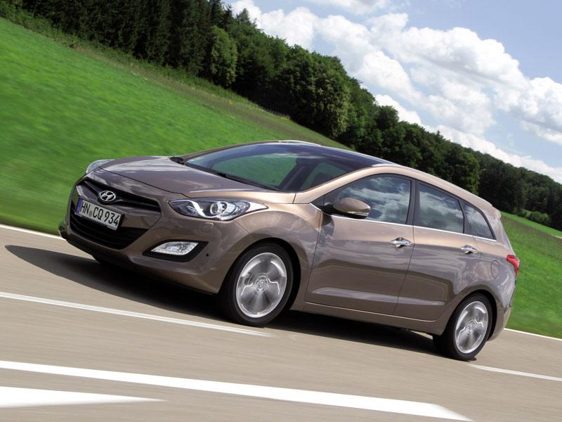 Фото Hyundai i30 CW.