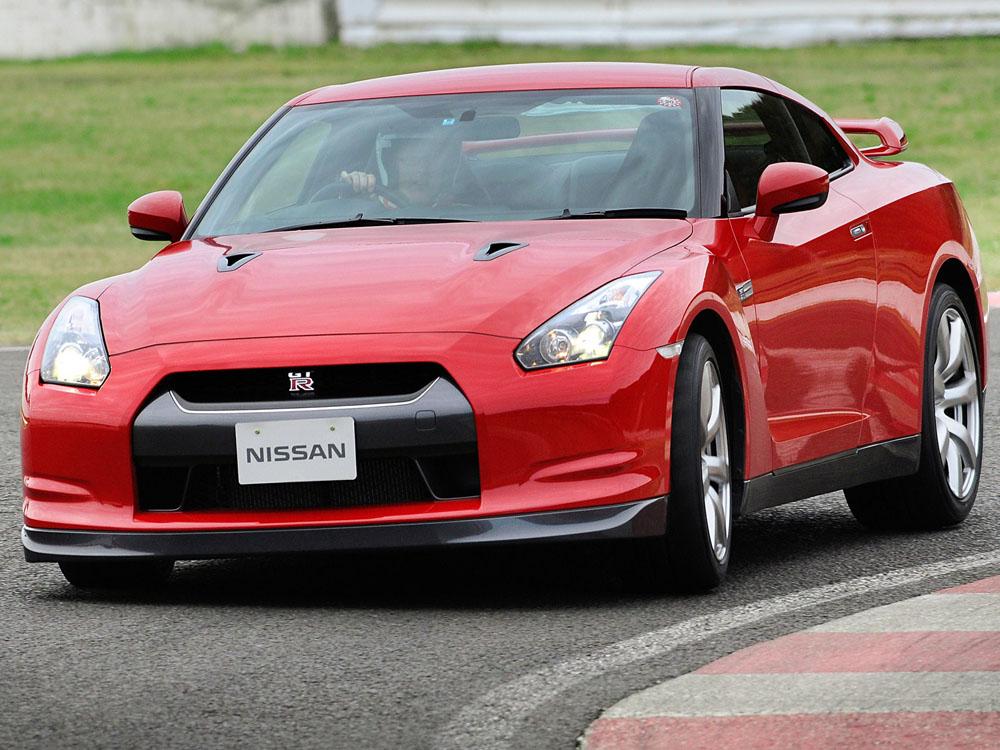 Фотографии Nissan GT-R (2007-201…