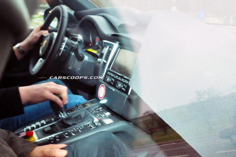 Шпионские фото интерьера Porsche…