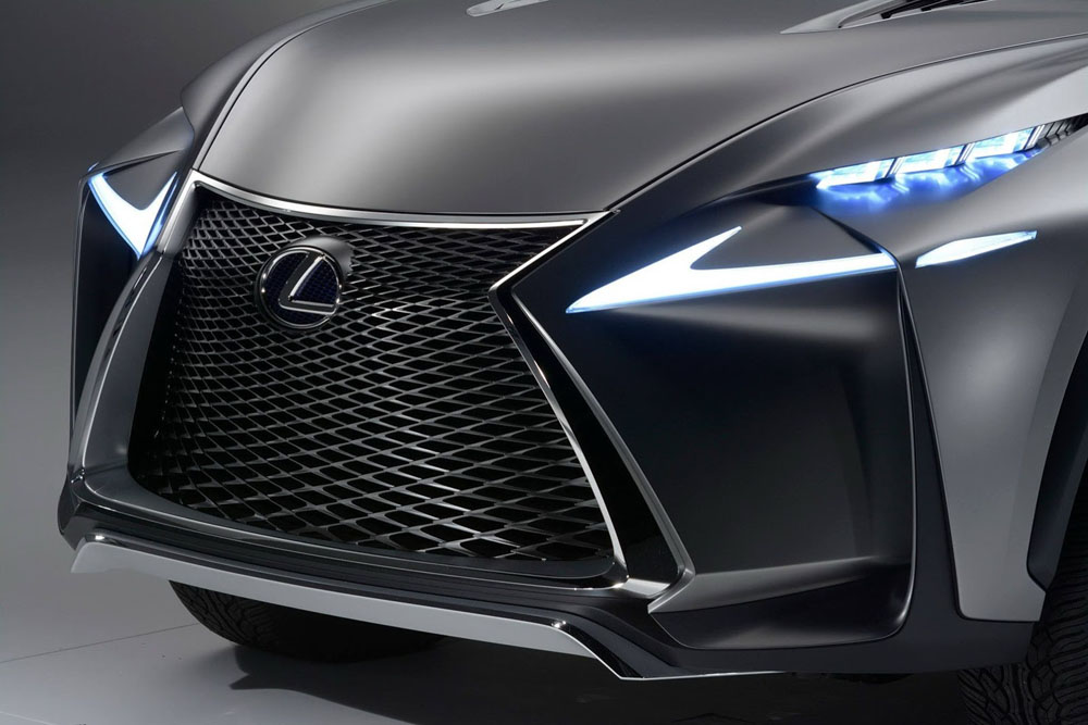 Кроссовер Lexus LF-NX.  Фото…