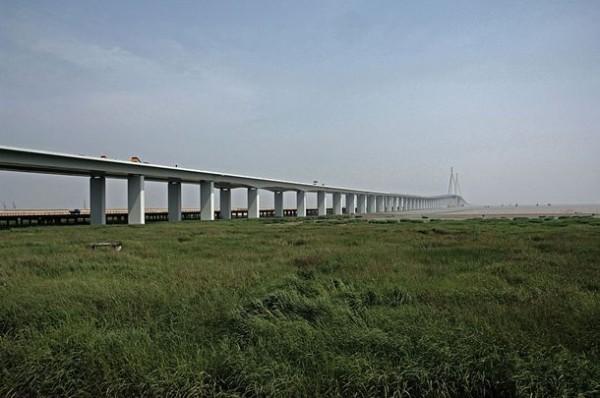 Ханчжоу Бэй Бридж в Китае