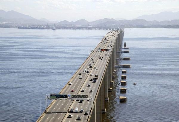 Рио-Нитерой мост в Бразилии