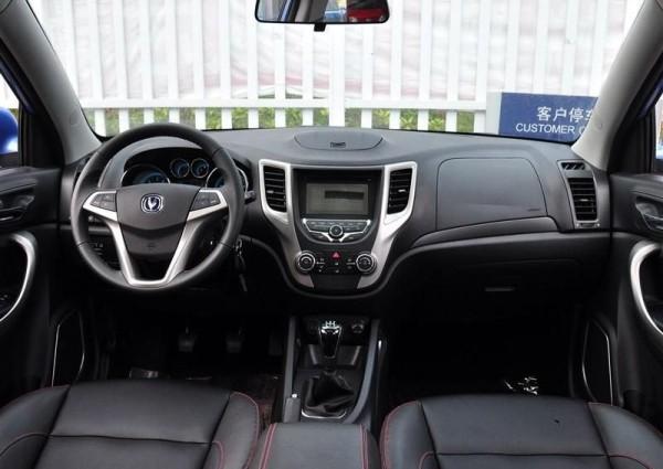 Changan CS35 2014 интерьер автомобиля