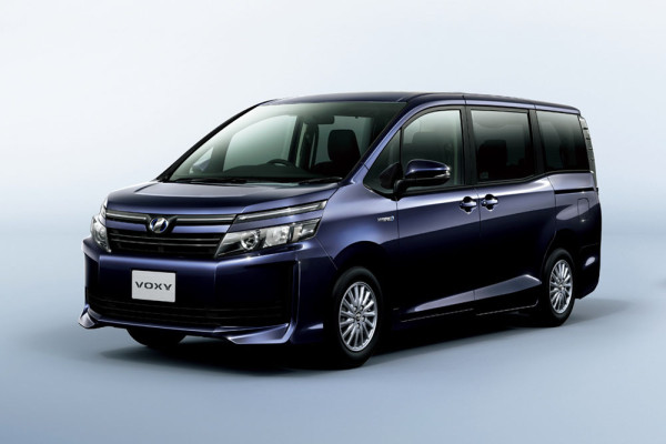 минивен Toyota Voxy 2014 Фото 25