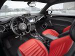 Volkswagen Beetle 2013 интерьер