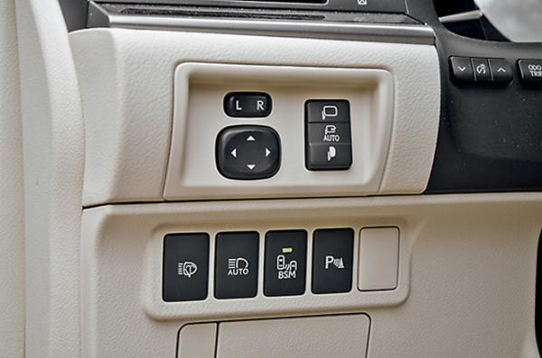 Audi A6 vs Bmw 5 серии vs Lexus ES350-28