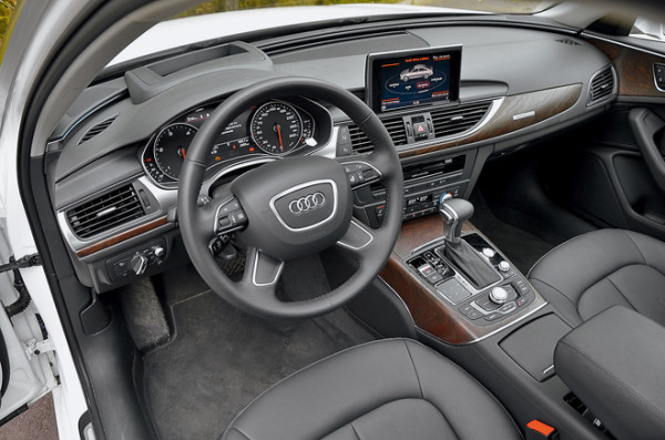 Audi A6 vs Bmw 5 серии vs Lexus ES350-9