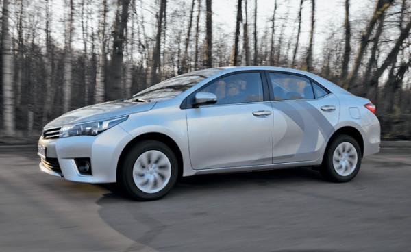 Kia Cerato-Toyota Corolla-Renault Fluence-Ford Focus-Citroen C4 sedan-11