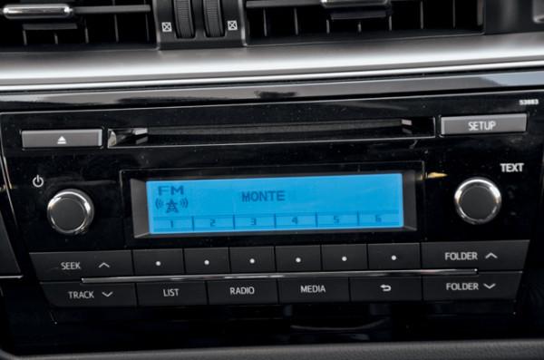 Kia Cerato-Toyota Corolla-Renault Fluence-Ford Focus-Citroen C4 sedan-16