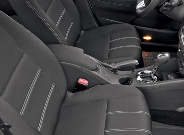 Kia Cerato-Toyota Corolla-Renault Fluence-Ford Focus-Citroen C4 sedan-23